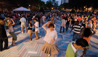 Enjoy free dance lessons and live music at Chicago SummerDance in Grant Park!